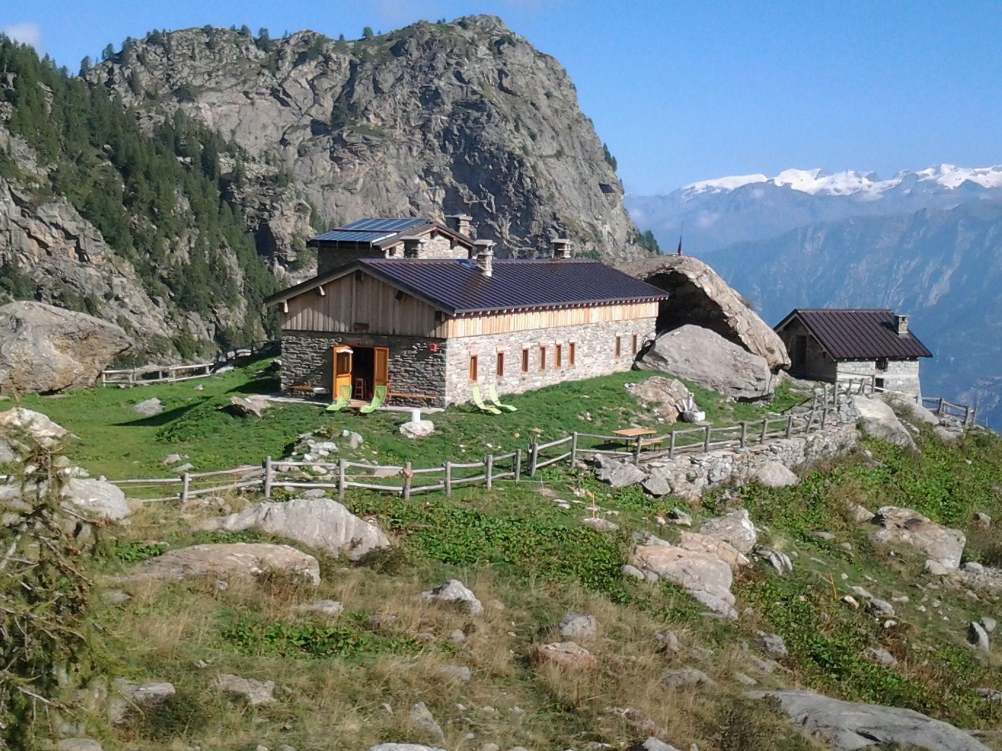 Alpe Bonze Mountain hut / 1.860 m / Alpe Bonze - Vallone del Fer / Donnas